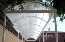 Cubiertas Curvas en escuelas - usos de las planchas de policarbonato | ALCRISTAL C.A.