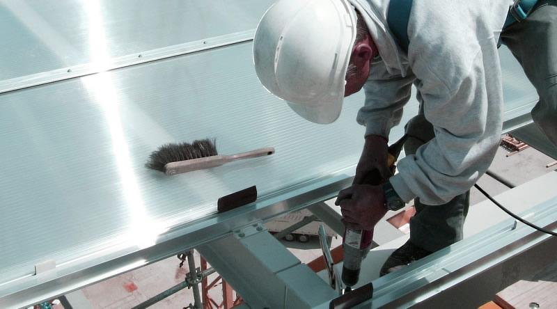 proceso de instalación de cubierta de policarbonato, instalación de techo de policarbonato | ALCRISTAL C.A.